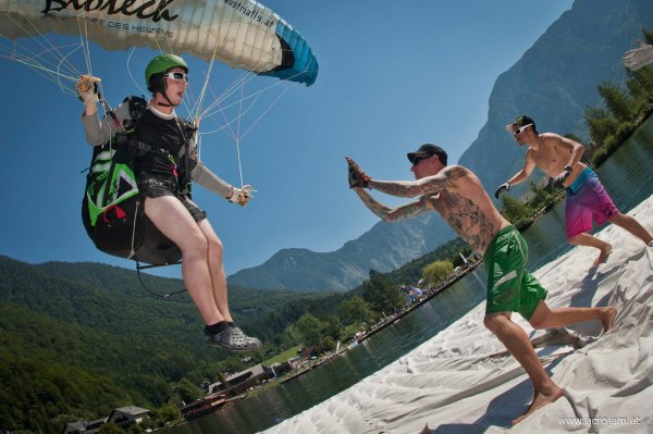 raftlanding at Acrojam (Pic by STephen Cherrynger)